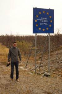 Lyle at Finland border