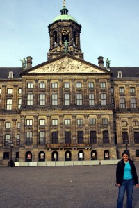 Katie in front of the Royal Palace in Amsterdam