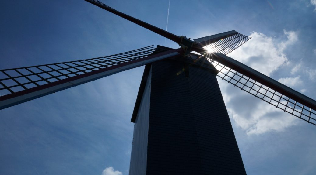 Bonne Chiere windmill in Bruges